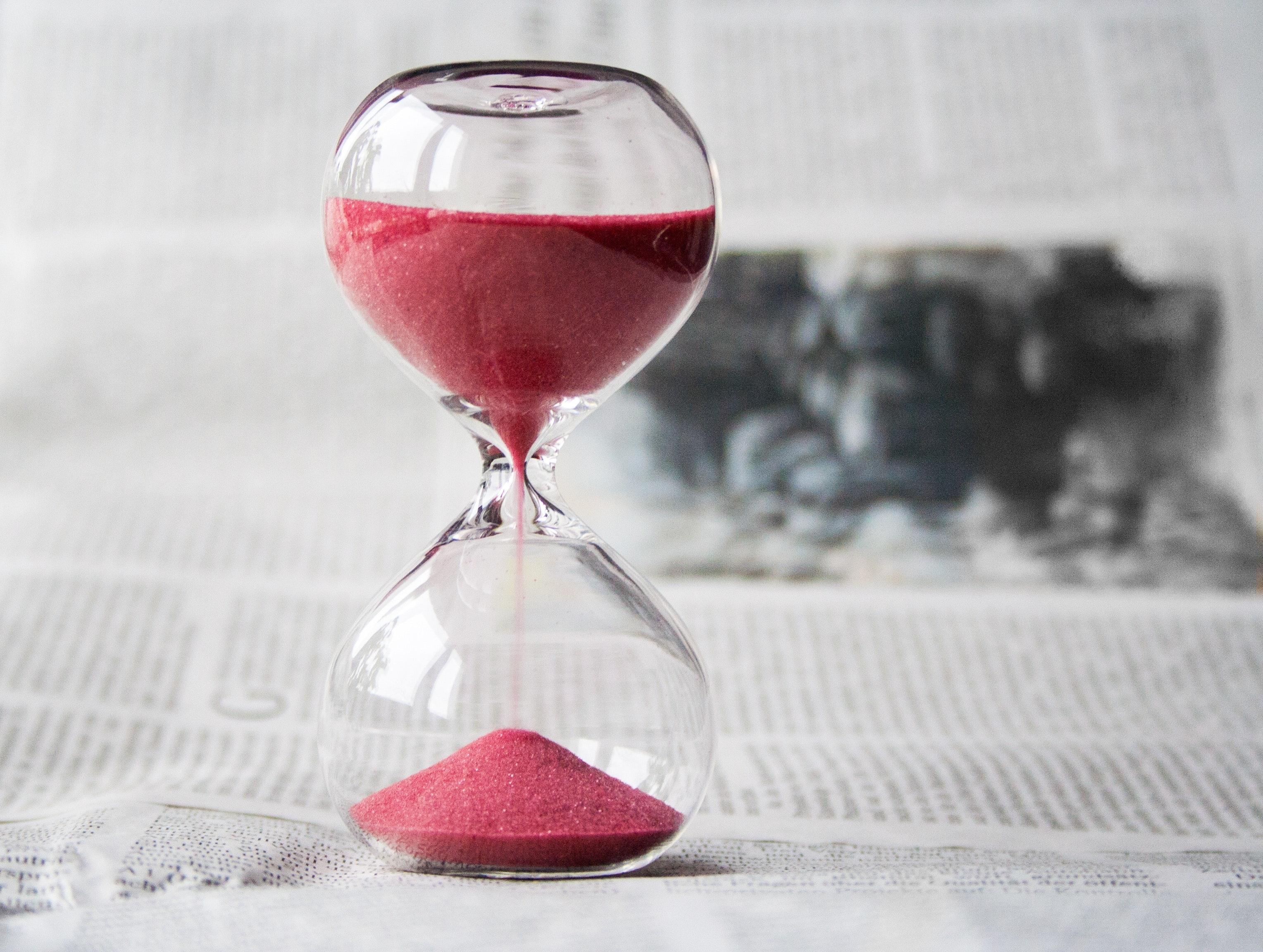 glass-hourglass-hours-39396 (2)